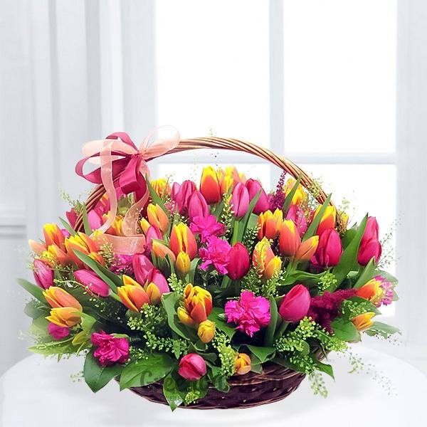 Финские, открытка корзина с тюльпанами